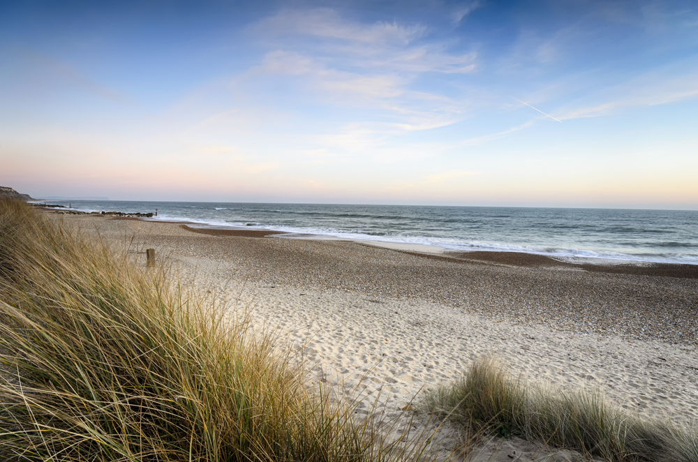beach with no one on it - image depicting digital free zone